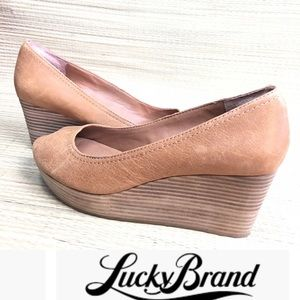 LUCKY BRAND Tan Issy Peep Toe Wedges Platforms